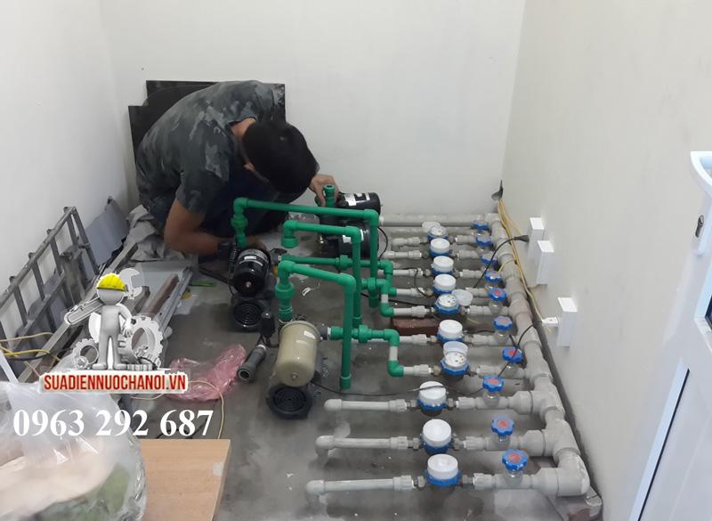 Sửa điện nước Đức Hùng lăp hệ thống máy bơm áp